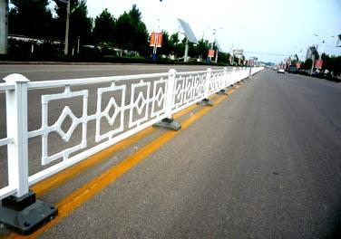 镀锌公路护栏