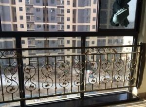 室内阳台锌钢栏杆