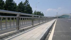 重庆不锈钢道路护栏